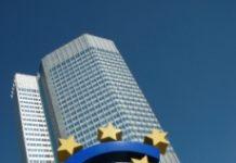 Euro na tle