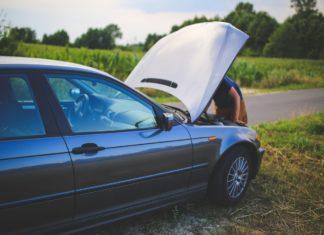 road man broken car 6078 324x235 - mBrokers.pl