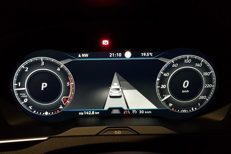 8 - Volkswagen Arteon 2.0 TDI DSG Elegance - systemy wspomagające kierowcę