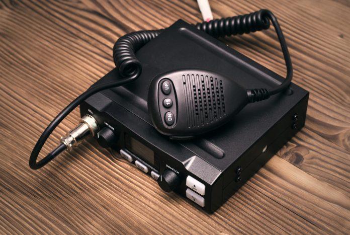 cb radio w samochodzie