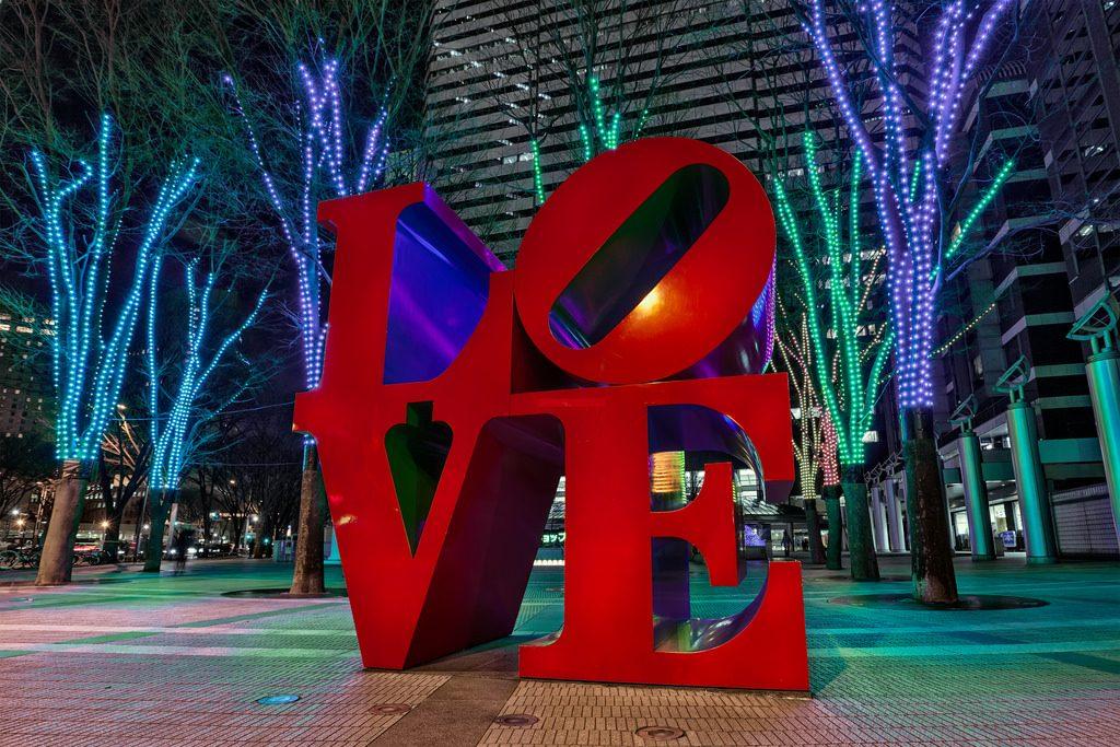 walentynki 1024x683 - Jak mobilne aplikacje mogą pomóc wygrać serca klientów w Walentynki?
