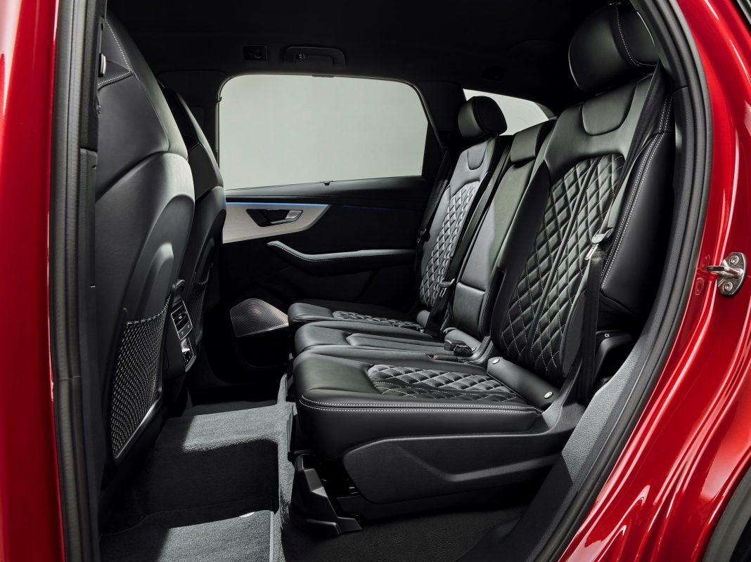AQ7 pasażerowie 2019 - Nowa wersja Audi Q7