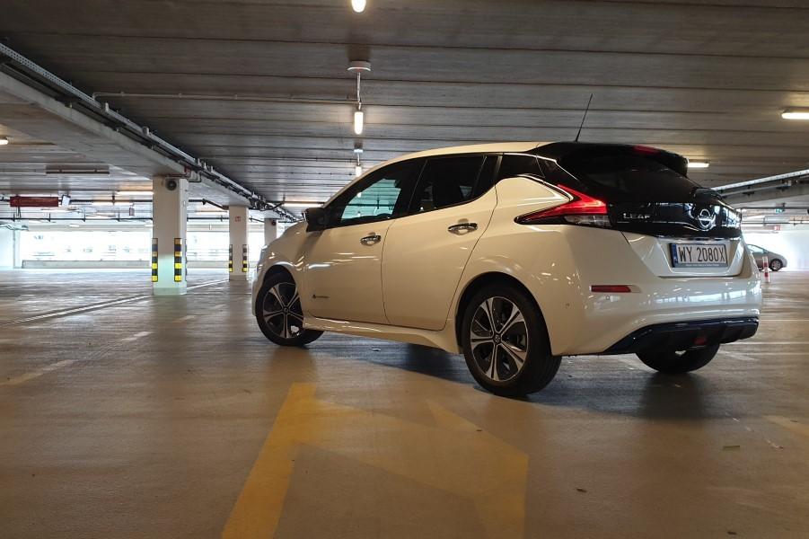 6 - Nissan LEAF II – energicznie napędzana sprzedaż
