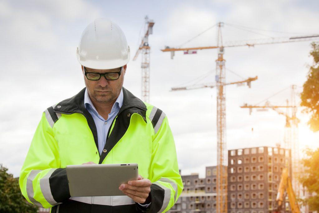 Inteligentny beton i drukowanie domów kontra milionowe oszczędności w smartfonie – co zrewolucjonizuje polskie budowy?